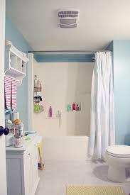 Organizing A Small Bathroom - iheart organizing four week