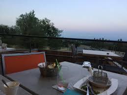 terrasse transparente la cave à vin transparente photo de la table du kolibri tournus
