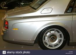 rolls royce phantom rear 2002 rolls royce phantom car rear wheel quarter pillar boot and