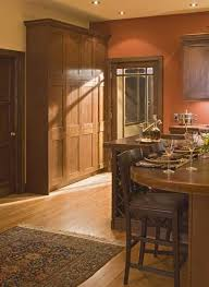 prairie style kitchen with rust colored walls cuisines