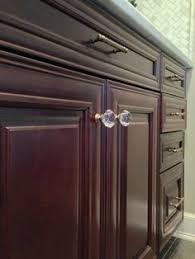 emtek crystal cabinet knobs close up of emtek s georgetown crystal knob as featured in house