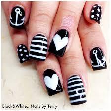 c9061bb5bd58df85d02944b035bf8f86 white gel nails black and nail