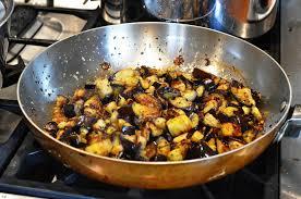 cuisiner l aubergine à la poele bigoli di bassano al melanzane au coin de la table