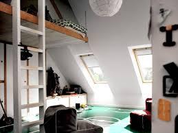 amenagement d un grenier en chambre aménager un grenier en pièce habitable travaux com