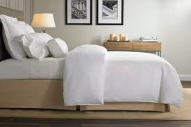 best linens don t steal the pillows the best hotel bedding you can buy orbitz
