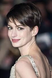coupes cheveux courts coiffure femme courte osez la découvrez notre sélection