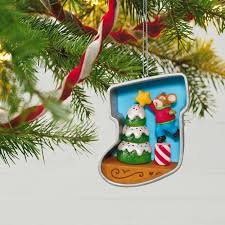 cookie cutter decorating the tree mouse