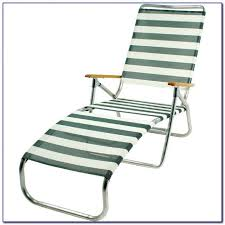 Folding Lounge Chair Design Ideas Interesting Tri Fold Beach Lounge Chair And Furniture Inspiring