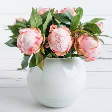 7 reasons to try artificial flowers and plants bt