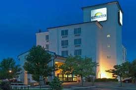 Airport Hotels Become More Than A Convenient Pit Days Inn Pittsburgh Airport Updated 2018 Prices Hotel Reviews