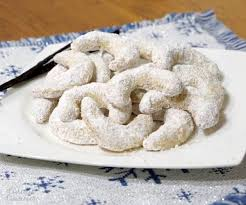 vanillekipferl austrian vanilla crescent cookies u2022 curious