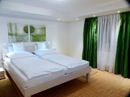 Schlafzimmerm El Kleiderschrank Ferienwohnung U0027wolke 7 U0027 Fewo Direkt