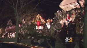 neighbors crowds out of control for dyker heights holiday