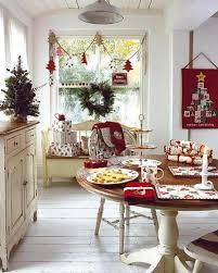 decoration de montagne décoration de noël pour un intérieur en rouge design feria