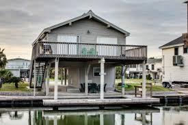 Cheap Beach Houses - bedroom galveston beach house rentals vacation vacasa cabins in tx