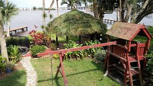 how much does it cost to build a pole barn house cost to build a tiki hut or tiki bar