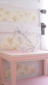 How To Paint A Table Accent A Piece Of Furniture With Paint White Lace Cottage