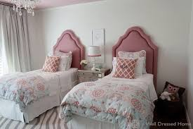 Wine Color Bedroom by Cute Wall Art On Creamy Of Vintage Bedroom Ideas Completed Cool
