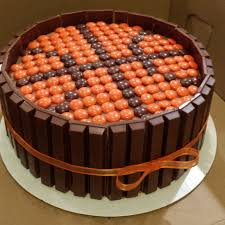kit kat basketball cake cakes pinterest cake birthdays and