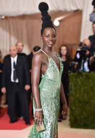 2016 hair and fashion lupita nyong o salutes africa not whoville with her met gala