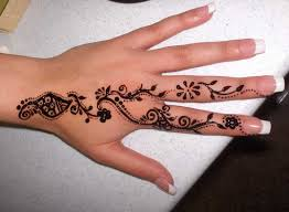pakistan cricket player finger henna designs