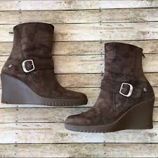 s gissella ugg boots 64 ugg shoes ugg gissella wedge boot from tammy posh
