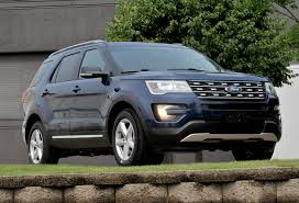 suv ford explorer chicago assembly plant welcomes new 2016 ford explorer ford