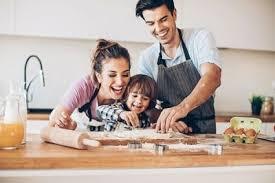 cuisine avec enfant cuisiner avec les enfants une activité ludique plébiscitée par