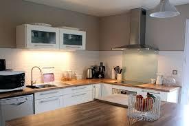 cuisines blanches et bois decoration cuisine blanc bois