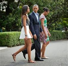 Obama S Vacation 16 Year Old Malia Obama Now As Tall As President Obama Taller