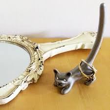 silver cat ring holder images Silver cat shaped ring holder jpg