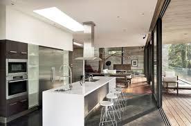 les plus belles cuisines modernes les plus cuisine moderne cuisine équipée blanc et grise