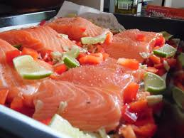 cuisiner pavé de saumon au four pavés de saumon citron vert lait de coco chris miam miam
