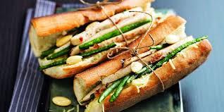 cuisiner des haricots verts sandwich poulet haricots verts amandes recettes femme actuelle