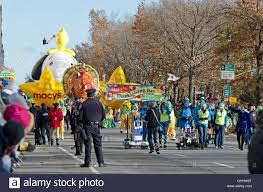 the beginning of the macy s thanksgiving day parade features stock