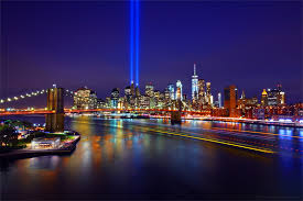 world trade center lights 9 11 tribute in light brooklyn bridge one world trade center and
