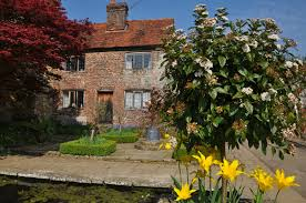 english cottage house medieval quaint english cottage penshurst place medieval stately