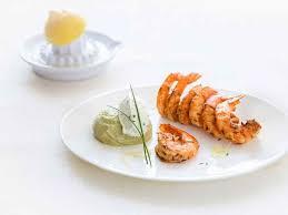 cuisine des femmes gambas marinées aux épices crème d avocat recipe recipes