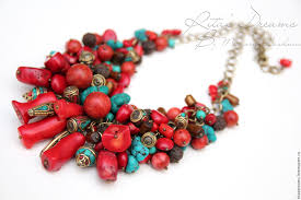 red chain necklace images Necklace sea treasure coral red a large bunch on the chain jpg
