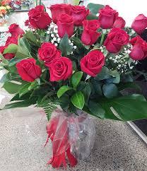 2 dozen roses 2 dozen stem roses in glass vase flowers by marisa