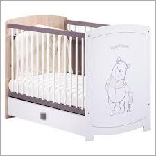 chambre bebe winnie l ourson pas cher lit bébé pas cher 852991 mobilier winnie l ourson avec lit volutif