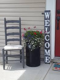 Main Door Flower Designs by Best 25 Outdoor Entryway Decor Ideas On Pinterest Front Stoop