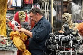 avoid 9 halloween costumes 2016 campus