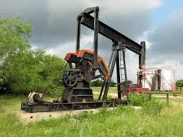 Backyard Oil Oil Well Pumping Unit In Bryan Texas Youtube