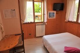 hotel avec dans la chambre annecy hôtel en haute savoie chambres près d annecydomaine de la caille