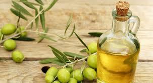 huile cuisine quelles huiles végétales bio faut il avoir dans sa cuisine bio à