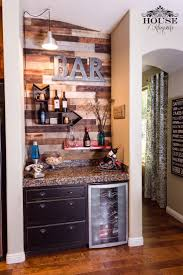 Decorating Ideas For Small Homes by Best 25 Home Bar Decor Ideas On Pinterest Outdoor Wood Projects