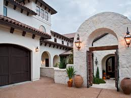 Spanish Style Courtyards by Simple But Important Things To Remember About Spanish Style
