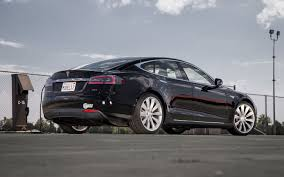 electric vehicles tesla 2013 motor trend car of the year tesla model s motor trend