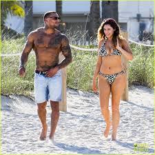 kelly brook bikini pics kelly brook bikini babe with macho boyfriend david mcintosh